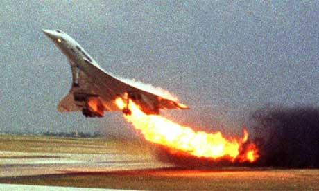 Concorde (Maravilla Tegnológica. Castastrofe Financiera). En Francia, inicia el juicio contra la línea aérea estadounidense Continental y cinco individuos acusados por el accidente de un avión Concord de Air France. (5/5)